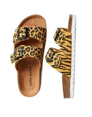 Vero Moda Alda Leather Slider Sandals in Leopard
