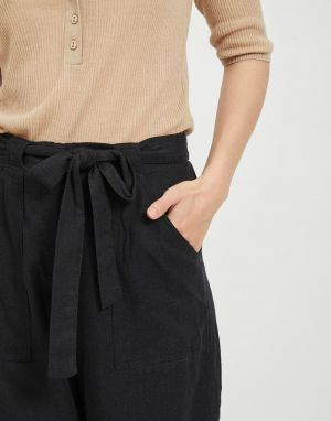Vila Safari Shorts in Black